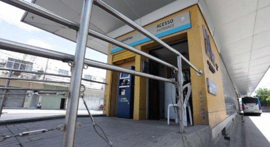Mais uma estação do BRT é alvo de arrombamento na Avenida Cruz Cabugá