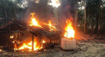 Todos foram conduzidos à sede da Polícia Federal em Rondônia. A ação faz parte da Operação Verde Brasil.