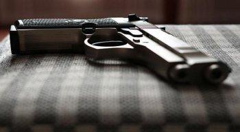 O revólver 38 foi encontrado pela polícia na mochila do estudante