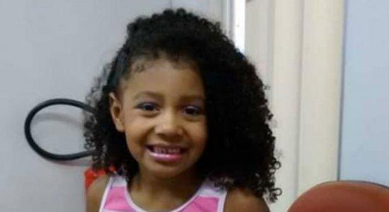 Menina de 8 anos morre após ser baleada nas costas no Rio de Janeiro