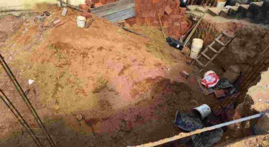Homem fica soterrado após deslizamento de barreira em Linha do Tiro
