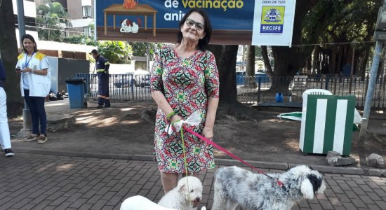 Campanha de vacinação antirrábica imuniza 156 mil cães e gatos do Recife