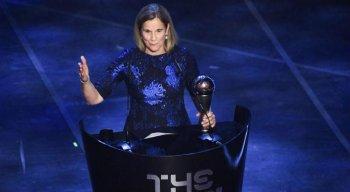 A Fifa divulgou os votos de capitãs e técnicos na escolha de melhores do mundo da temporada