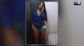 A jovem estava na frente da casa em que morava quando foi assassinada