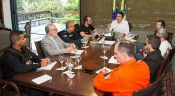 Governador do Ceará Camilo Santana em reunião sobre a violência no estado