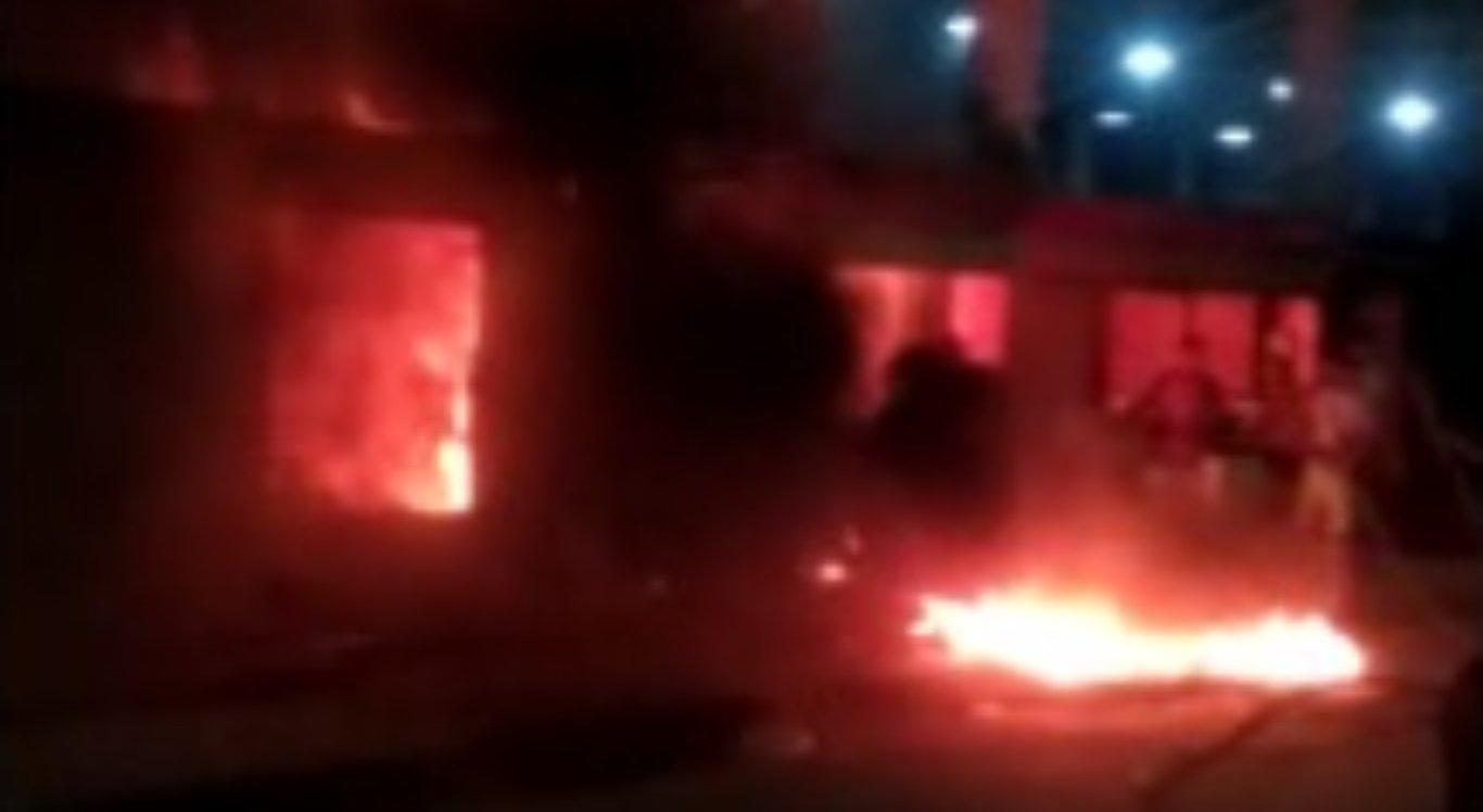 Incêndio atinge box da Ceaca