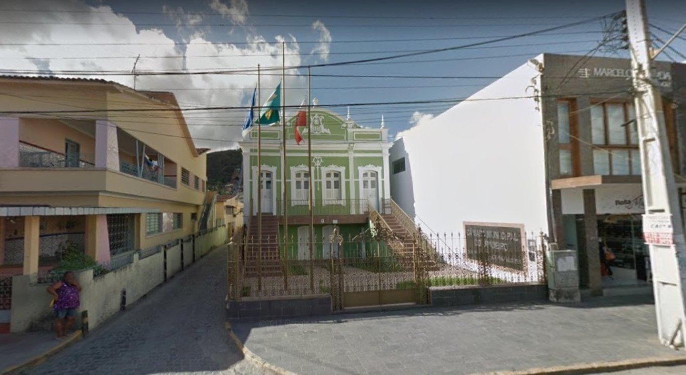 Câmara de vereadores de Limoeiro planeja concurso