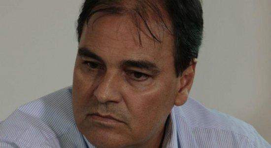 Santa Cruz: executivo confirma busca por novo treinador na Série B