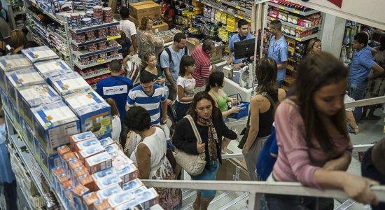 Finados: veja o que abre e fecha no comércio e shoppings do Grande Recife