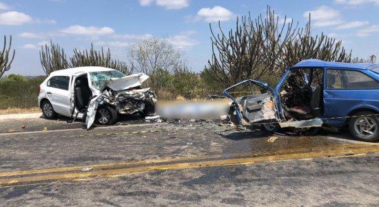 Colisão entre dois carros deixa quatro mortos em Taquaritinga do Norte