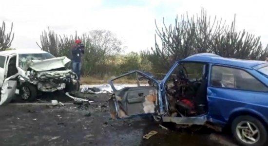 Quatro pessoas morrem em grave acidente em Taquaritinga do Norte