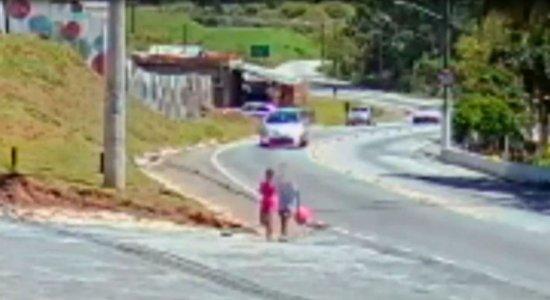 Menino de 12 anos confessa assassinato de garota de 9 anos
