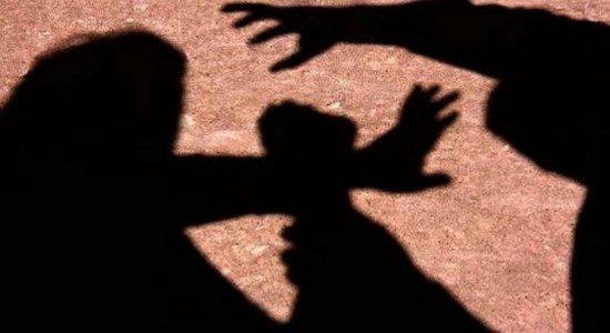 Aposentada diz ter sido agredida com uma chave de fenda pelo irmão em Camaragibe