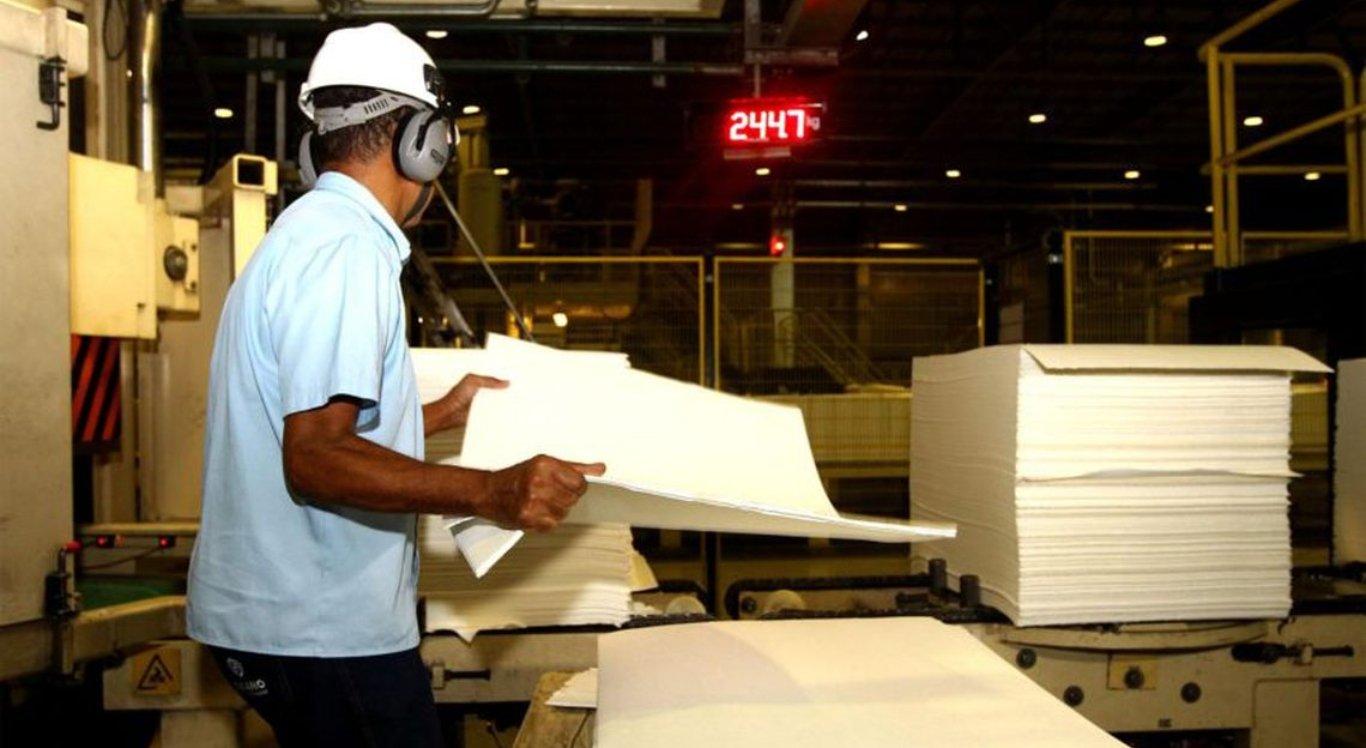 Produção industrial brasileira cresceu 0,8% na passagem de julho para agosto
