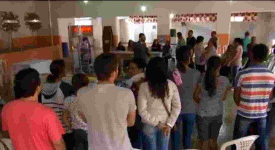 Tristeza: corpos das vítimas de acidente na BR-104 são velados