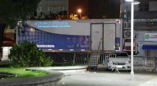 Jovem é assaltado por casal e esfaqueado no Centro do Recife