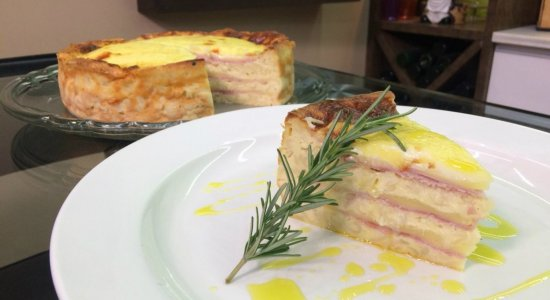 Aprenda a fazer Torta Mista de Macarrão Parafuso