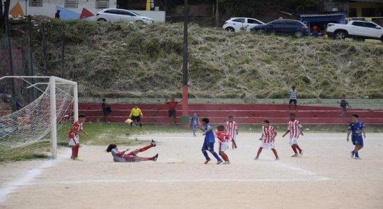 Projeto 'Recife Bom de Bola' promove inclusão social através do esporte