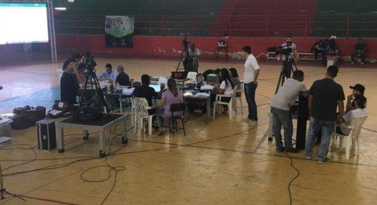 Apuração em Caruaru ocorre no Colégio Álvaro Lins