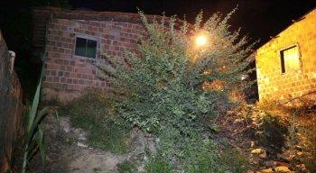Segundo a polícia, o local do crime é usado como ponto de drogas