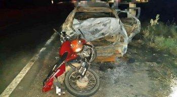A colisão aconteceu por volta das 21h dessa segunda-feira (7)