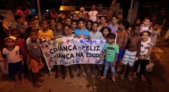 Comunidade de Passarinho se reúne em ato para cobrar educação básica