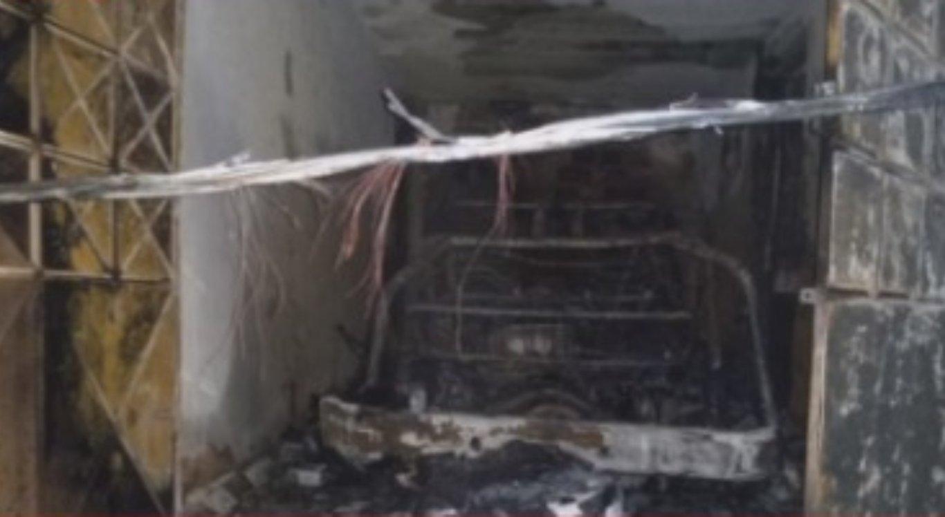 Casa é atingida por incêndio em Caruaru
