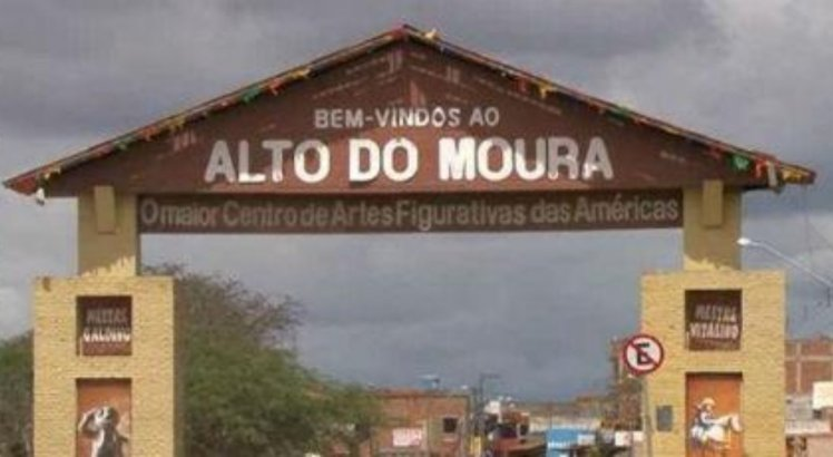 Artesãos mirins são filhos de artesãos do Alto do Moura, em Caruaru