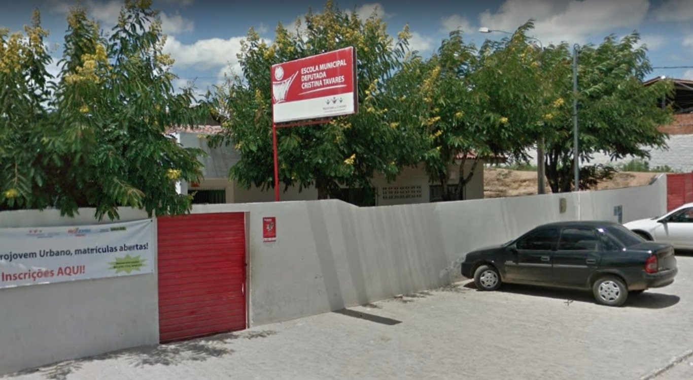 Escola é alvo de assalto em Caruaru