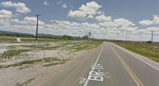 Criança morre atropelada ao atravessar rodovia em Agrestina