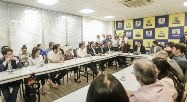 Comunidades do Recife vão ganhar 30 mil pontos de iluminação de LED