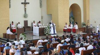 Missas acontecem na igreja de Nossa Senhora Aparecida no Ipsep
