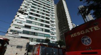 Fogo atingiu apartamento no sexto andar de prédio na Beira-RIo