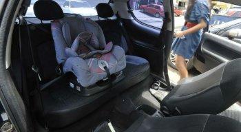 Cadeirinhas para transportar crianças podem evitar escoriações em caso de acidente