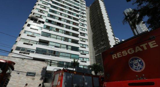 Incêndio atinge apartamento na Avenida Beira Rio