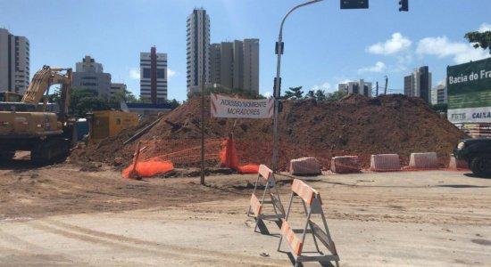 Comerciantes relatam queda nas vendas após obra em avenida de Olinda