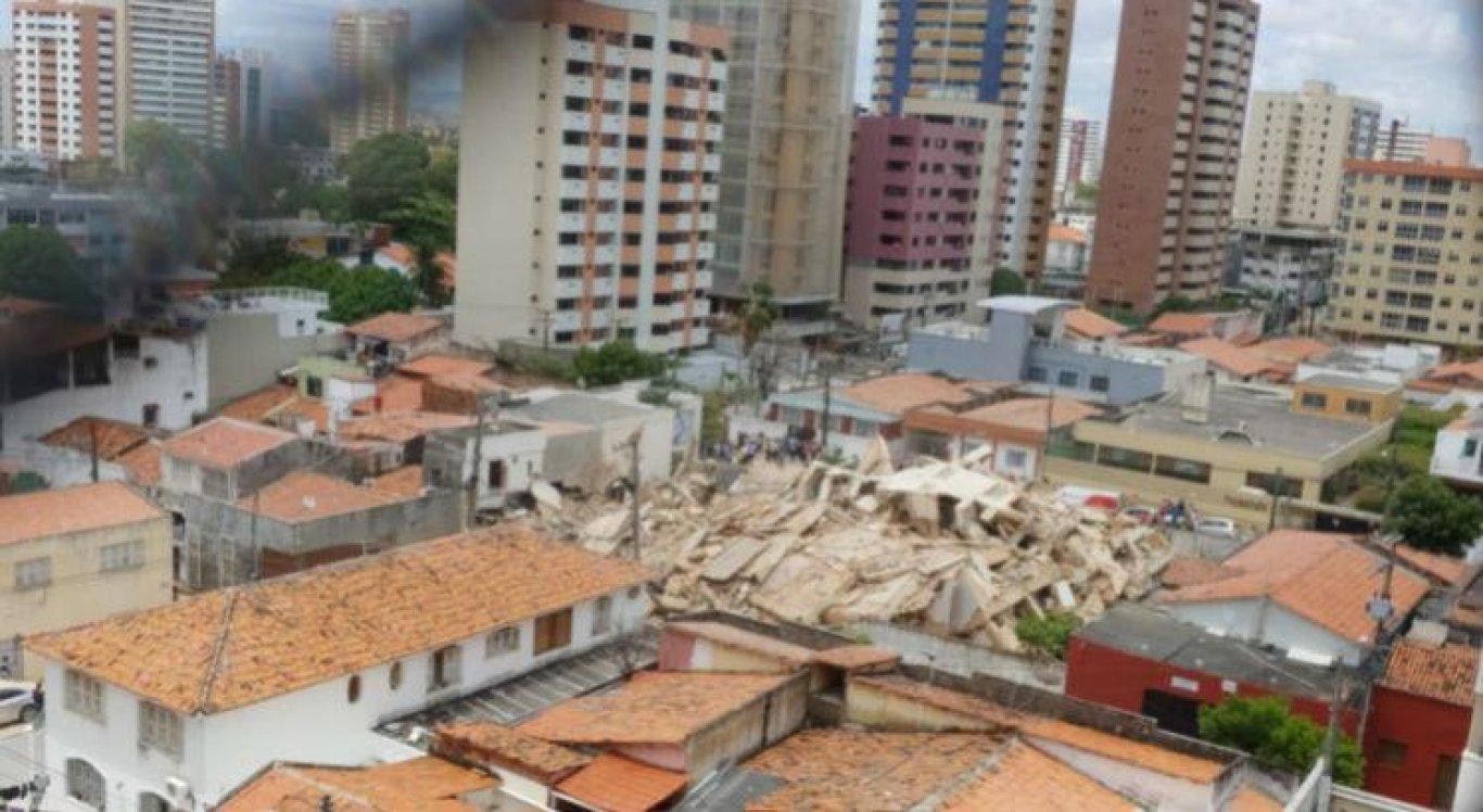 Prédio residencial desabou em Fortaleza