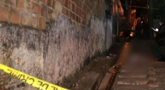 Jovens são assassinados na porta de casa, em Recife e Camaragibe