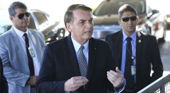 Bolsonaro afirma que redução de municípios ''corrige abuso do passado''