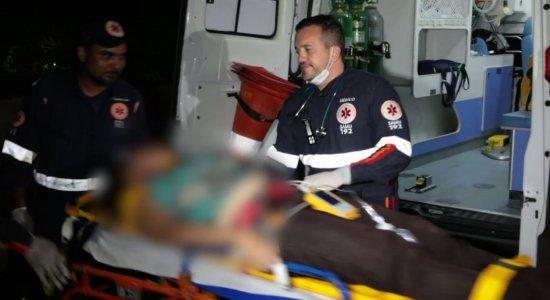 Vítima de bala perdida em estação de metrô passa por cirurgia