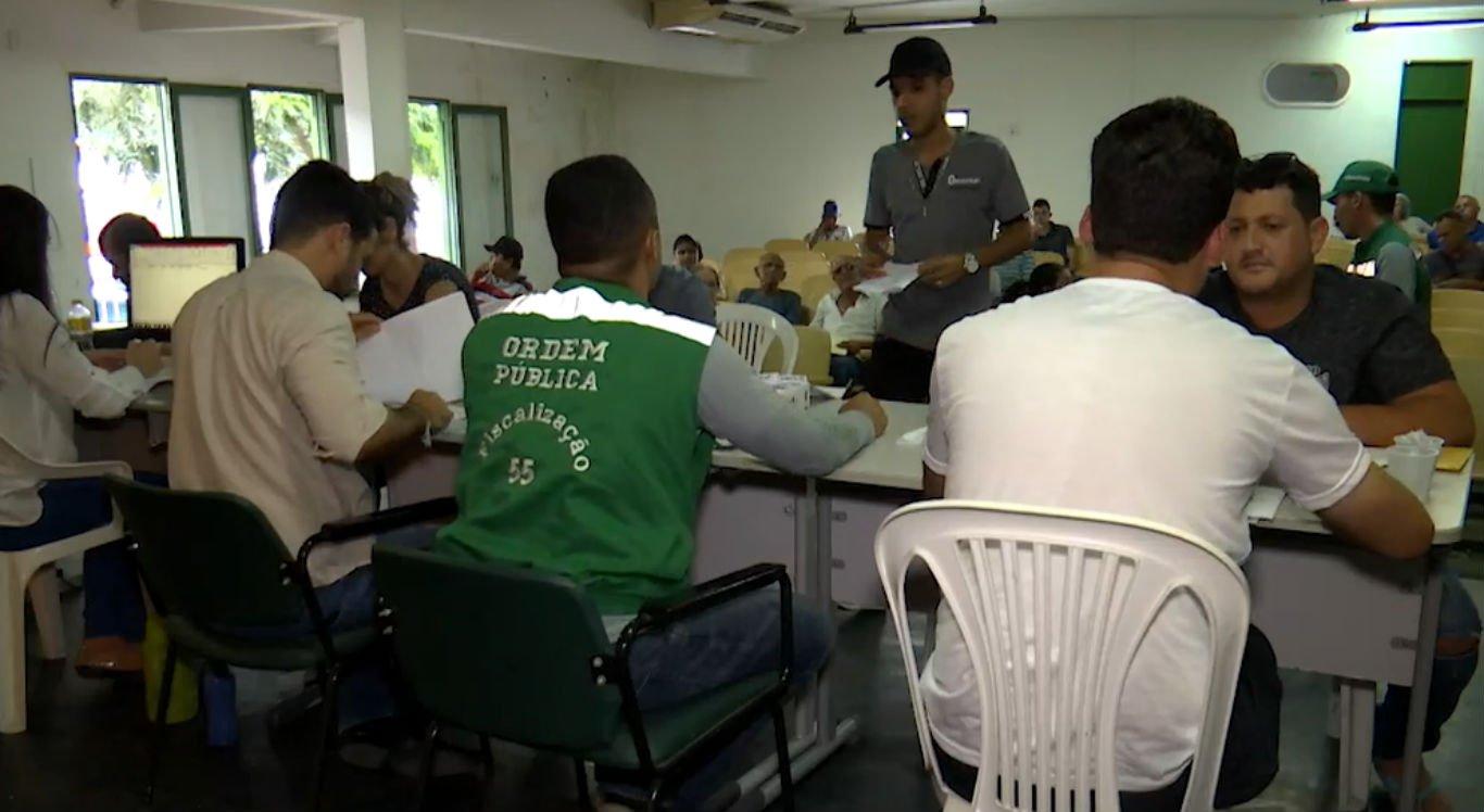 """Prefeitura de Caruaru realiza cadastramento de ambulantes que vão atuar no """"Comércio na Praça"""""""