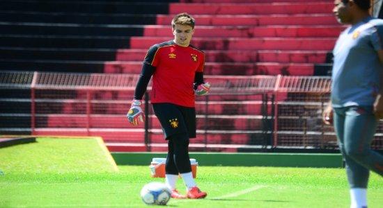 Treinador do Sport confirma Luan Polli como substituto de Mailson