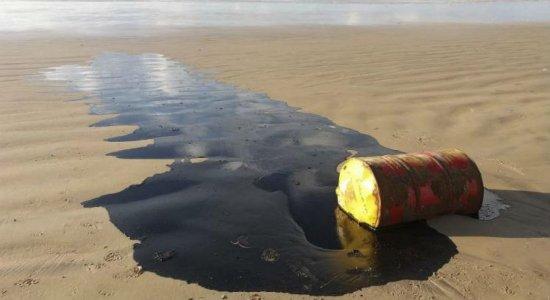 Marinha encontra mais um barril de petróleo perto de Natal