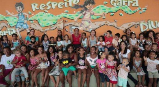 Crianças e adolescentes recebem donativos do Infância Cidadã