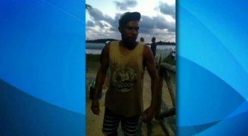 O pescador enfatizou que as praias estão abandonadas, e os governantes 'não fazem nada para mudar a situação
