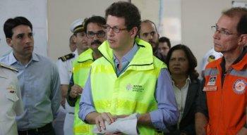 A vinda de Salles é para vê quais medidas devem ser tomadas para conter as manchas de óleo em Pernambuco