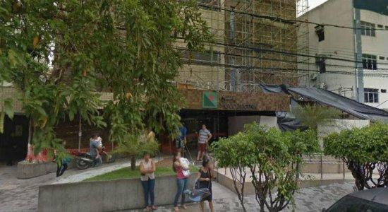 Suspeita de incêndio causa desespero no Hospital Vasco Lucena, no Centro do Recife