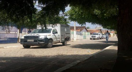 Segurança de prefeito é morto a tiros em porta de Fórum, no Sertão