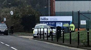 Corpos foram encontrado no contêiner em um caminhão no parque industrial de Essex, no Reino Unido