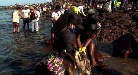 Manchas de óleo: RioMar Recife arrecada doações para voluntários